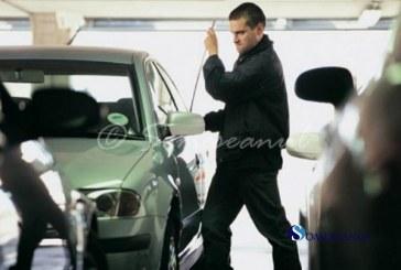 A furat mai multe obiecte dintr-o mașină parcată în Apahida