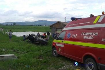 Un șofer din Gherla s-a răsturnat cu mașina la Săcălaia