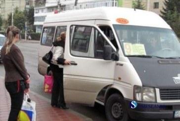 Peste 2.000 de elevi fac greva pentru bani pe abonamentele de transport
