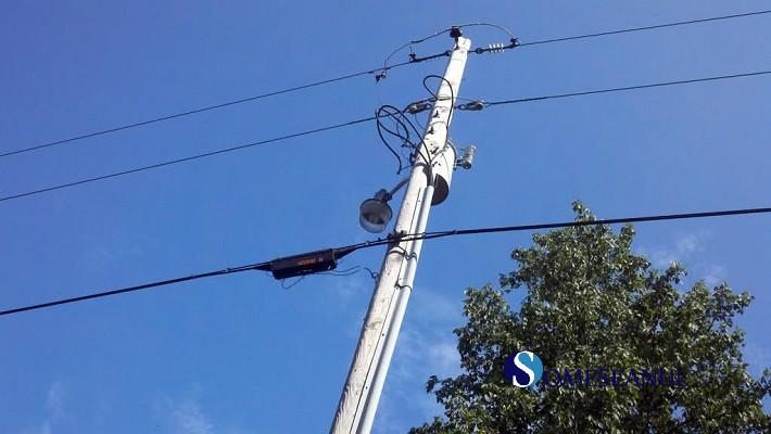 cablu telefonic stalp