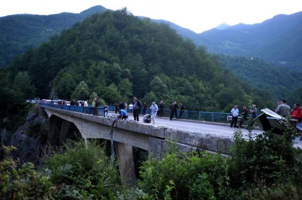 accident autocar romani muntenegru-4