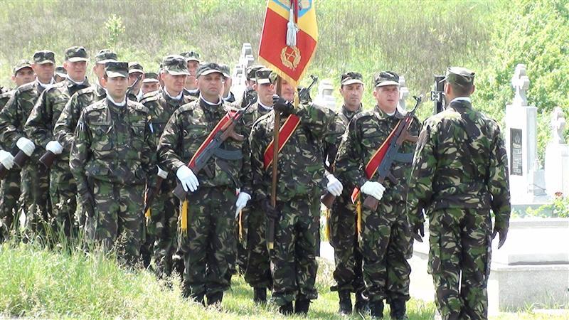 garnizoana dej defilare militari