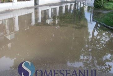 Inundații în Turda. Subsolurile mai multor locuințe au fost afectate