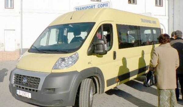 microbuz transport elevi-scolar