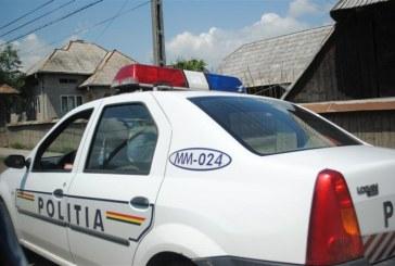 Polițist neatent. A acroșat cu portiera mașinii de poliție o biciclistă