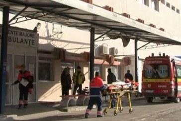 Peste 100 de elevi și profesori au ajuns la spital după banchet