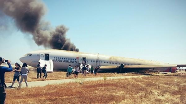san-francisco-plane-crash-pic