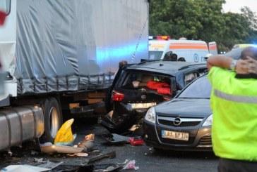 Trei români morţi şi 18 răniţi. Guvernul a trimis un avion militar pentru a prelua victimele