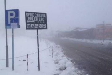 S-a instalat iarna la munte. Zăpada măsoară 15 centimetri