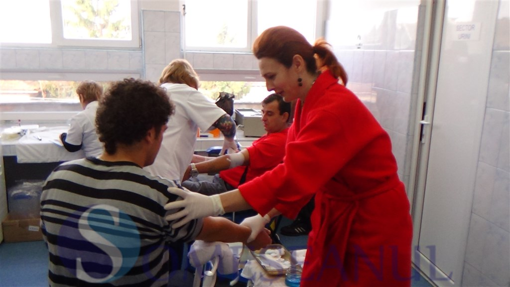 campanie-donare-sange-dej-octombrie-2013 (6)