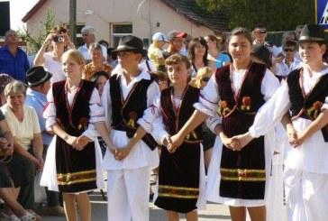 Ziua Costumului Popular la Năsăud, eveniment ce vrea să intre în Cartea Recordurilor