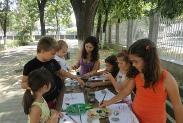 Habitat Cluj invită copiii la un atelier de pictură în Piaţa Unirii