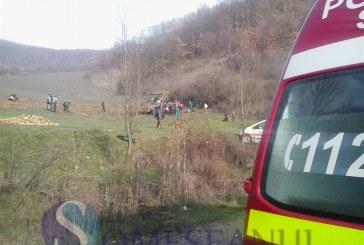 Au sărit din tractorul care a luat-o la vale