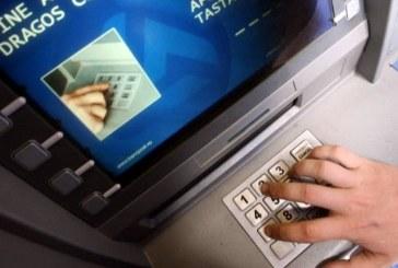 Patru hoți din bancomate cercetați de polițiștii clujeni