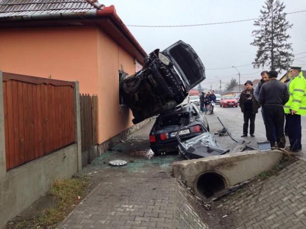 accident mures masina fereastra