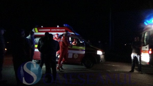 accident masina sub tir SMURD