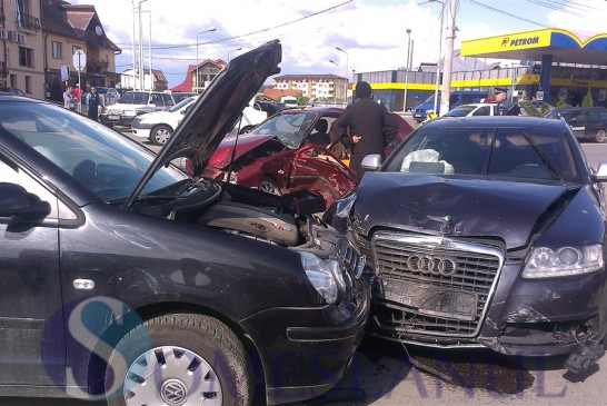 Băut la volan a pierdut controlul volanului și s-a izbit frontal de un alt autoturism