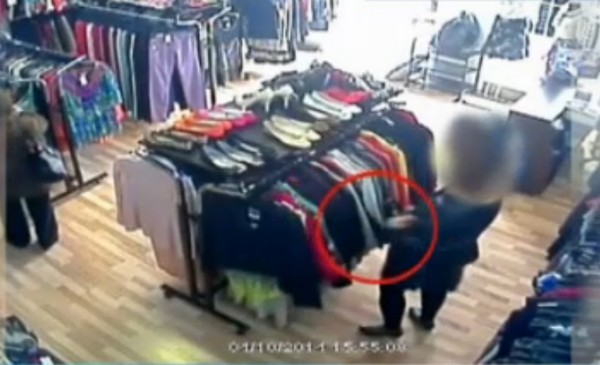 furt-hot magazin camera supraveghere