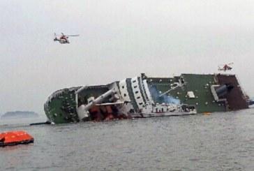 Două persoane au murit, după ce un feribot cu 476 de pasageri a naufragiat în largul Coreei de Sud – VIDEO