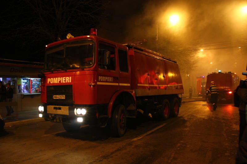 pompieri-incendiu
