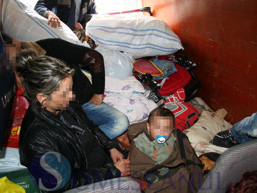 someseanul-copil ascuns bagaj frontiera-2