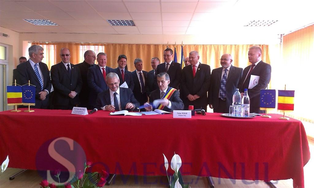 Dragnea si Morar au semnat proiectul de reabilitare a 23 de strazi din Dej