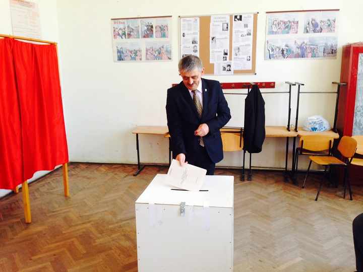 Horea Uioreanu la vot (2)