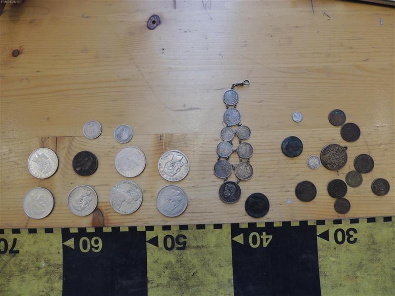 Monede medievale depistate de politistii clujeni