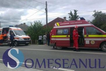 O femeie și patru copii au ajuns la spital după un accident