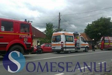 Accident rutier între localităţile Sîngeorzu Nou şi Sînmihaiu de Câmpie. O mașină s-a răsturnat