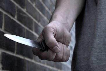 Și-a înjunghiat de mai multe ori soția, apoi și-a băgat cuțitul în burtă