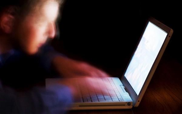 laptop furat-infractiuni informatice