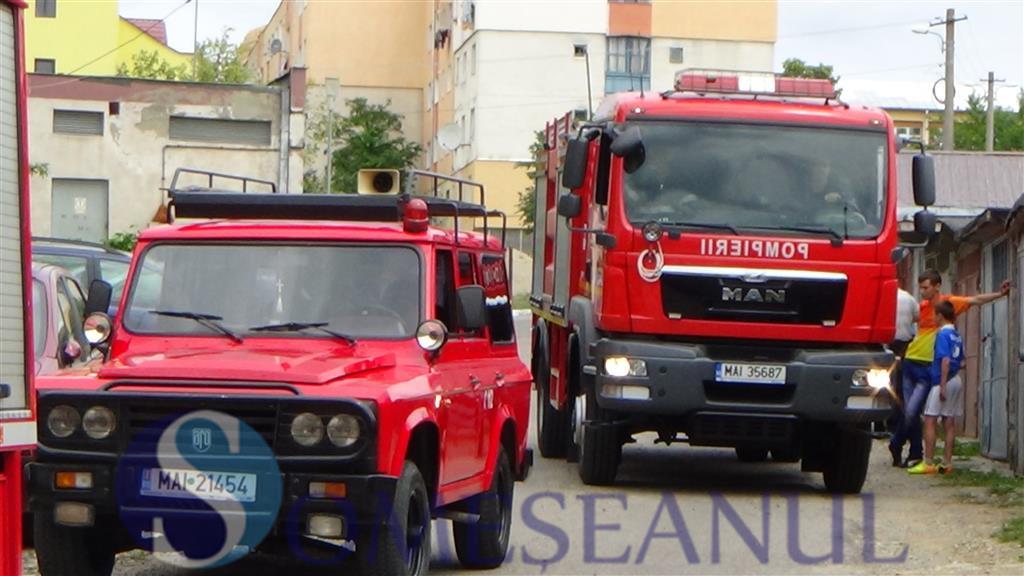Interventie pompieri fetita blocata in apartament Dej (6)