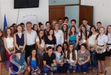 Tinerii antreprenori de la LAPI Dej și-au prezentat azi proiectele micilor lor afaceri – FOTO/VIDEO