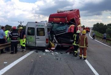 Accident grav la Luduș, 11 persoane au fost rănite dintre care 4 copii – FOTO