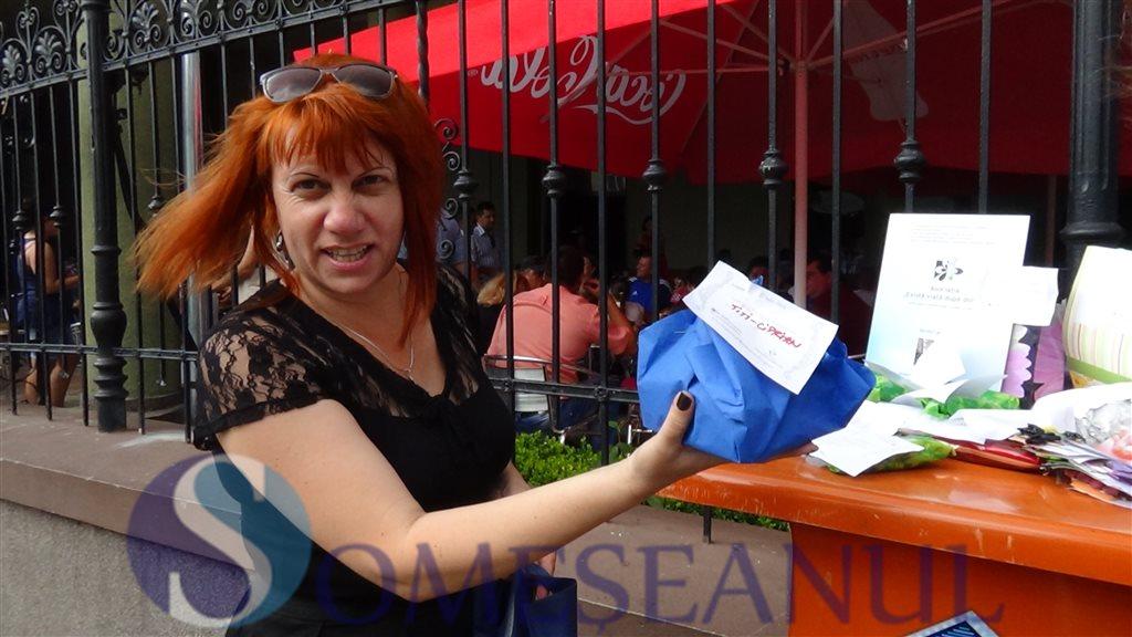 Dejenii au primit cadouri in centrul orasului