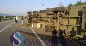accident mortal tir rasturnat livada-5