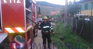 incendiu fizesu gherlii pompierii-1