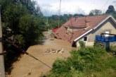 Case luate de viitură în localitatea bistrițeană Petriș – FOTO