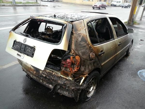 masina incendiata cluj