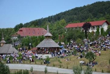 Credincioșii sunt așteptați la Mănăstirea Strâmba