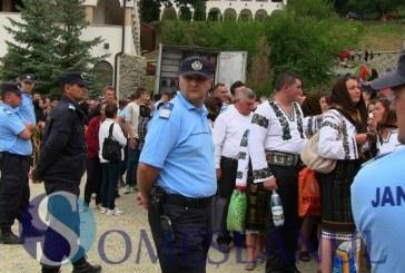 Peste 500 de poliţişti și un elicopter vor fi la datorie de Sfânta Marie