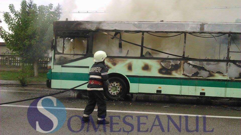incendiu autobuz Gherla (2)