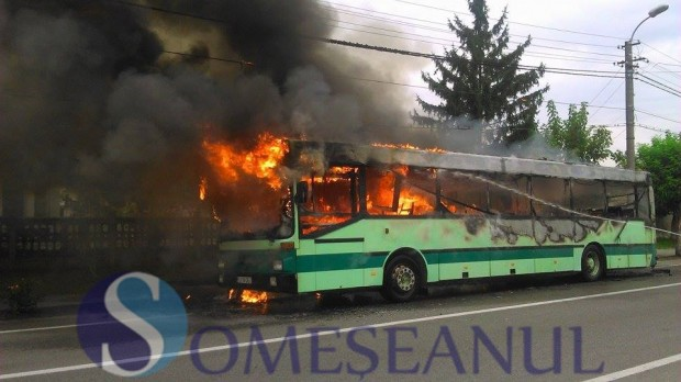 incendiu autobuz Gherla (3)