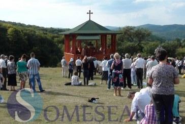 Înălţarea Sfintei Cruci, sărbătorită într-o poieniţă de la marginea Dejului FOTO/VIDEO