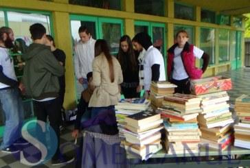 Cărți din donații vândute pentru copiii cu dizabilități la Dej – FOTO/VIDEO