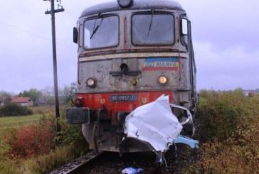Mașină lovită de tren la Nimigea  de Jos: Două victime au scăpat miraculos