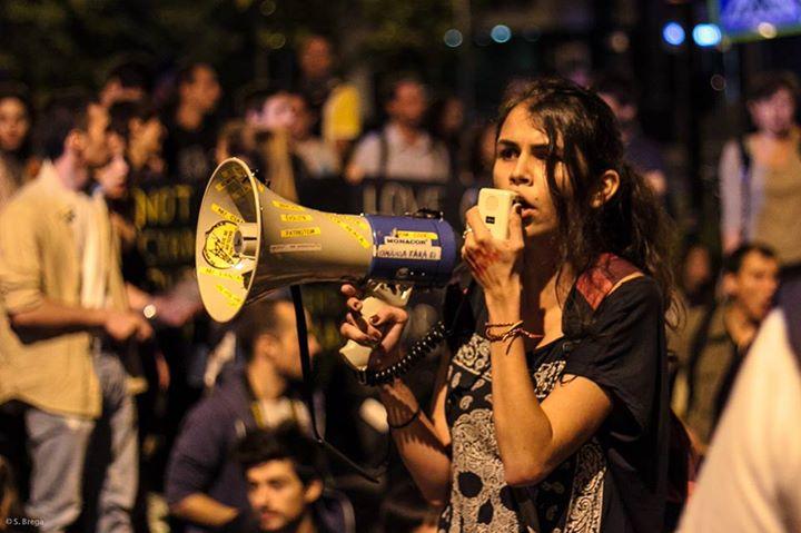 andreea-petrut-proteste-rosia-montana