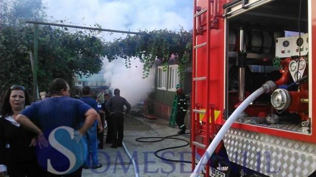 incendiu Fizesu Gherlii pompieri 1 (2)
