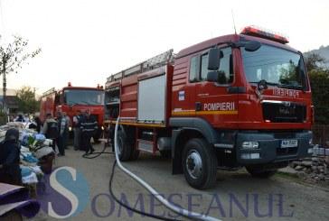 Incendiu violent la Țaga. Două autospeciale de pompieri au intervenit la fața locului